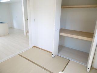 和室(左の部屋)