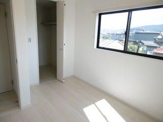 洋室(左の部屋)