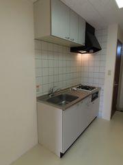 キッチン(104)