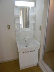 洗面室(206)
