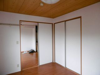 洋室(和室→洋室へ改装 301号室)